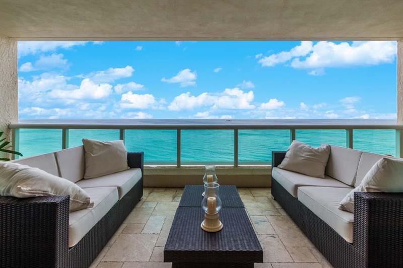 View luxury Fort Lauderdale condo sold 2017 - Las OLas Beach Club