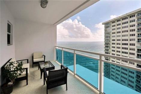 view-luxury-galt-ocean-mile-condo-sold-2017-the-commodore-F10035301