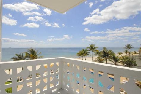 View 2 bedroom Galt Ocean Mile condo sold Ocean Summit Fort Lauderdale