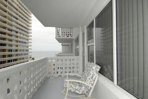 View Galt Ocean Mile condo pending sale Ocean Summit - Unit 514