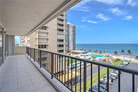 View Galt Ocean Mile condo just listed for sale Plaza South Unit 6F