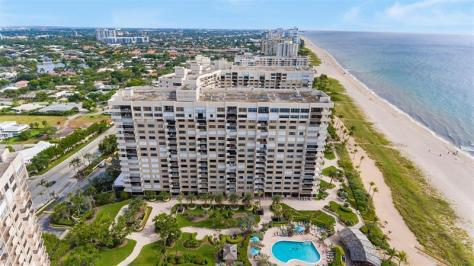 View Pet friendly Greater Fort Lauderdale oceanfront condominium welcomes smaller dogs under 20lbs