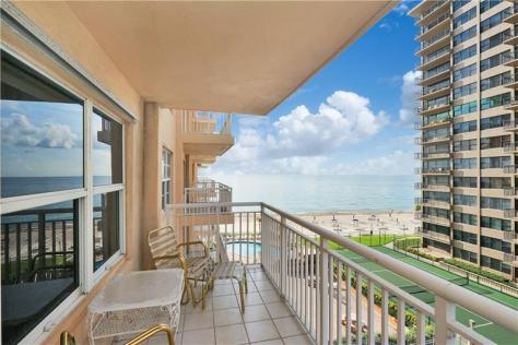 View Regency Tower 3850 Galt Ocean Drive Fort Lauderdale condo just listed for sale - Unit 504