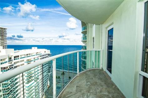 Galt Ocean Mile condo Southpoint 3400-3410 Galt Ocean Drive just listed for sale - Unit 2009N