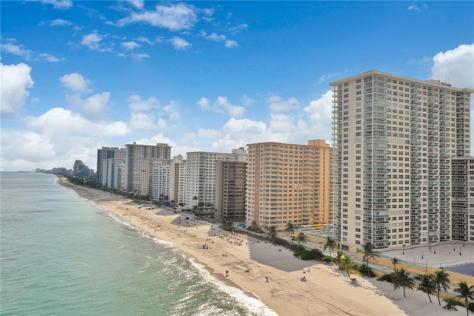 Playa del Mar condominium 3900 Galt Ocean Drive Fort Lauderdale