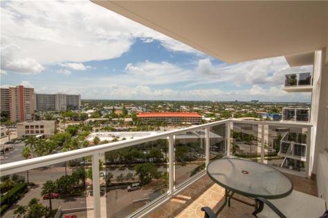View 1 bedroom Galt Ocean Mile condo recently sold Royal Ambassador 3700 Galt Ocean Drive Fort Lauderdale - Unit 1114