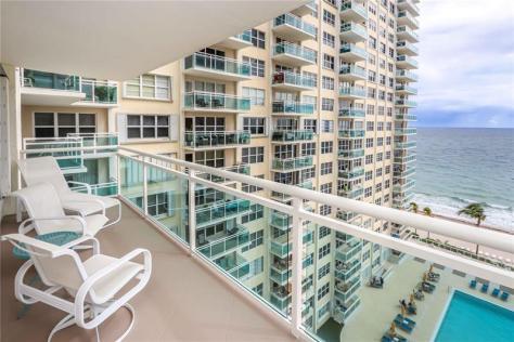 View Galt Ocean Mile condo just listed for sale Playa del Mar 3900 Galt Ocean Drive Fort Lauderdale Unit 1006