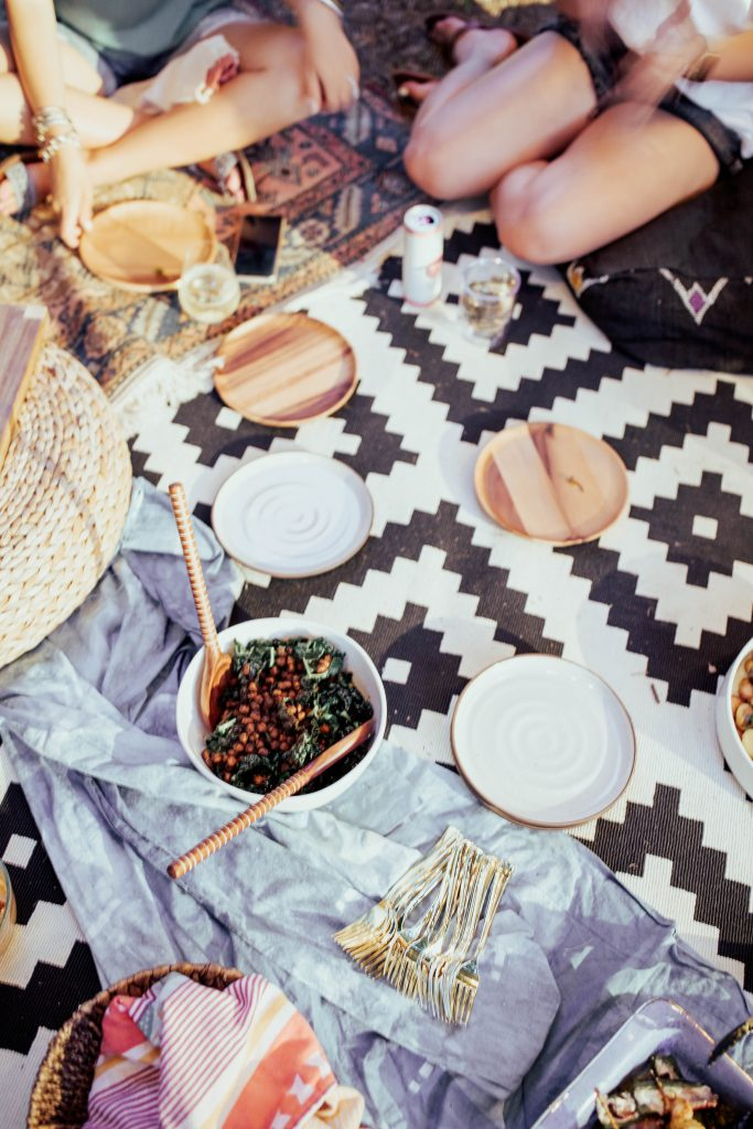 styling a party on a budget // how to have a perfectly 'grammable event