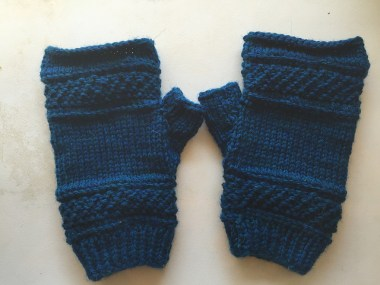 Treads, a tipless gloves pattern by Victoria Anne Baker