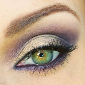 Plump-make-up-on-light-green-eyespinterest-com-beyond1love-color-me-gorgeous