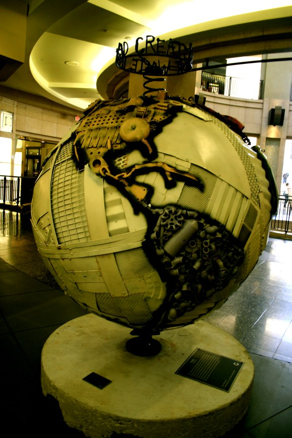 Recycled Globe in the Kodak Theatre