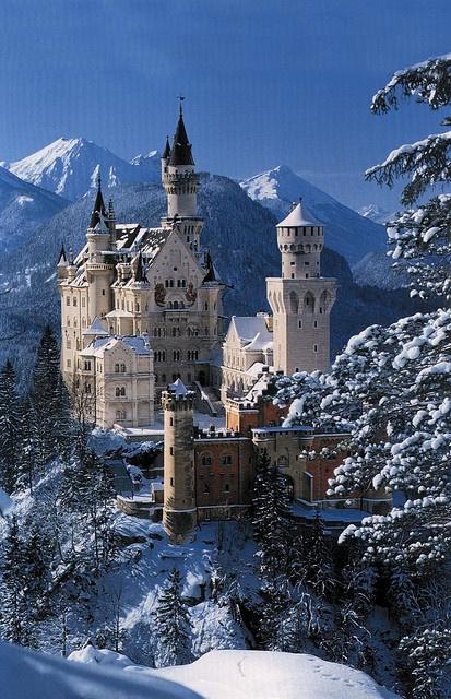 Snow Neuschwanstein