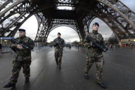 france-army-paris-martiallaw