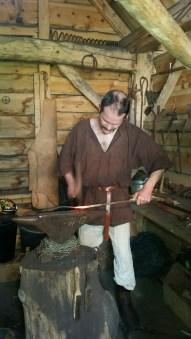 Stian var på plass i smien / The blacksmith