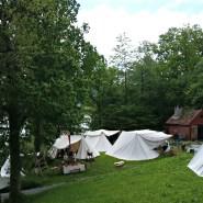 Oversiktsbilde over vår leir og naboer / Overlooking our camp and neighbours