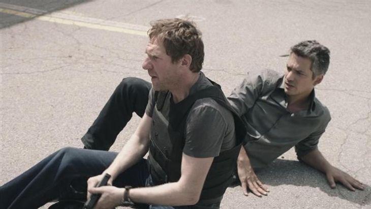 Bergfeld rettet Milce das Leben - aber wen juckt's? Quelle: CopStories DVD, Gebhardt Productions