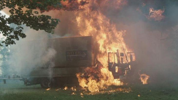 Kaboom! Beeindruckend, wie realistisch das Feuer wirkt. Quelle: CopStories DVD, Gebhardt Productions