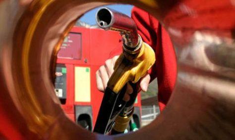 SIN EFECTO. Guillermo Moreno liberó los precios de las naftas.