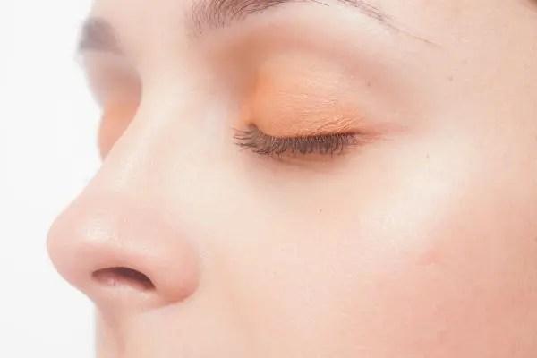 鼻周りのほくろの位置で性格がわかる8つのほくろ占い