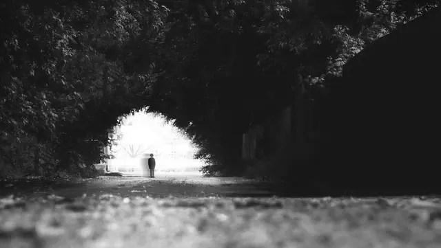 幽霊 悪霊 憑依 神秘 心霊現象
