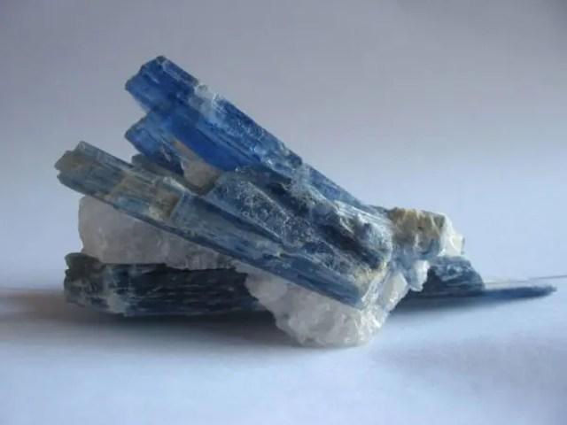 カイヤナイト(藍晶石)