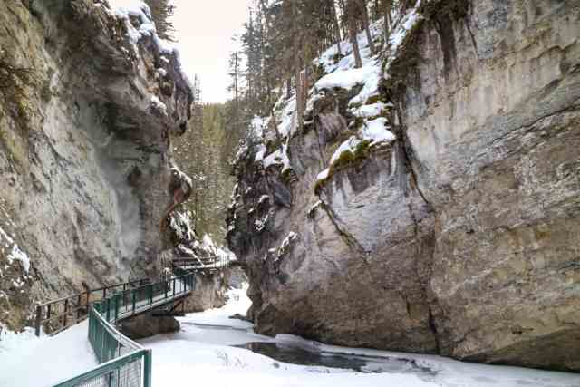 Johnston Canyon Ice Walk, Banff