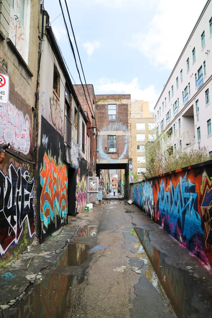 Graffiti Alley Toronto-15