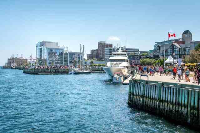Buskers Festival, Halifax Nova Scotia Images