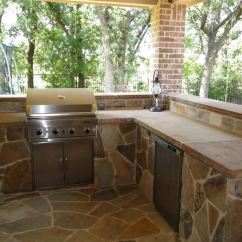 Red Stone Outdoor Kitchen Island With Butcher Block Top Fort Worth Grass And Oklahoma Dark Flagstone