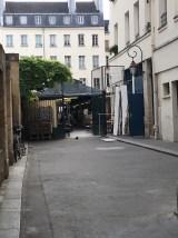 Entrance to Marché des Enfants Rouges vis Rue des Oiseaux