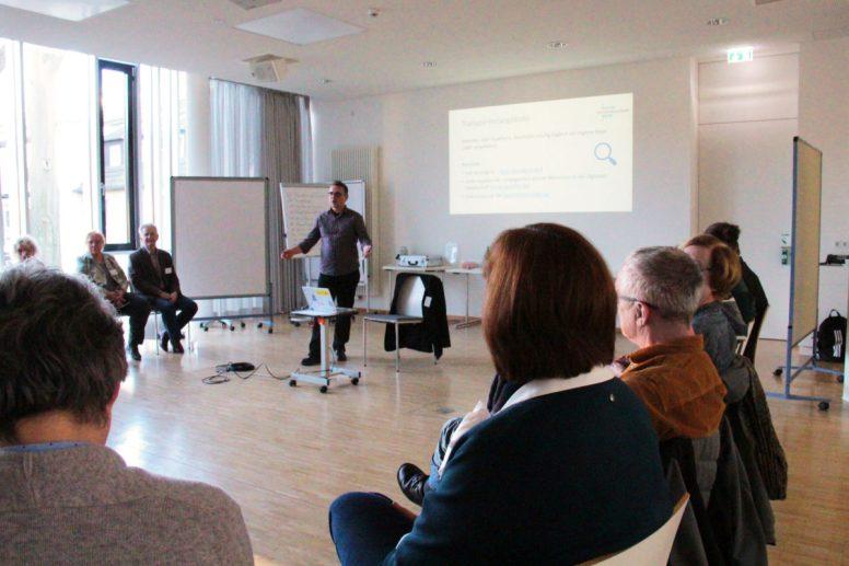 Digitale Möglichkeiten in Nachbarschaftsarbeit und Nachbarschaftshilfe