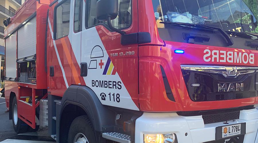 Un camió de bombers