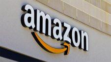 Cartell amb el logotip d'Amazon