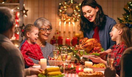 Una família en un dinar de Nadal