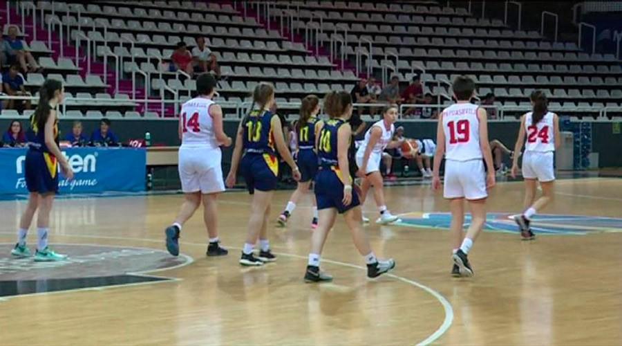 La selecció de bàsquet sub18 femenina