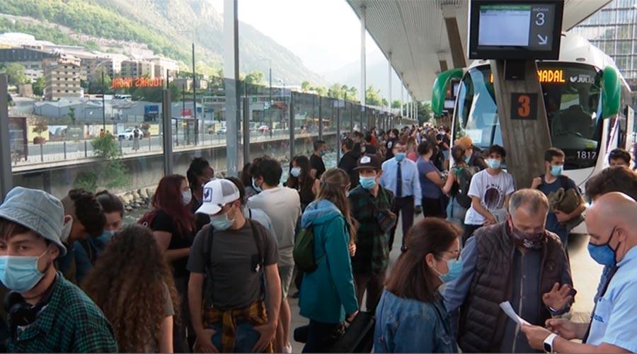 Temporers argentins a l'estació d'autobusos
