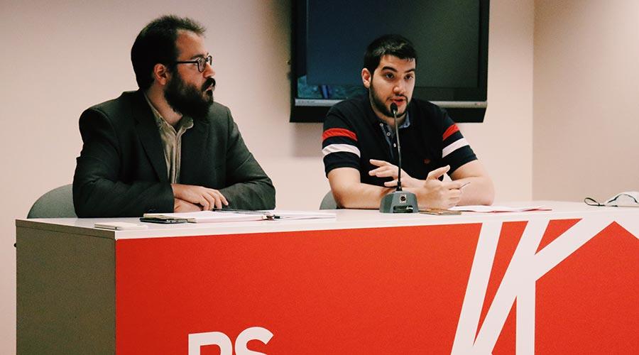 Carles Sànchez i Pere Baró al local del Partit Socialdemòcrata