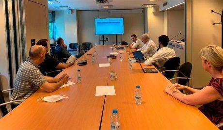 El ministre Eric Jover en una reunió amb la CEA