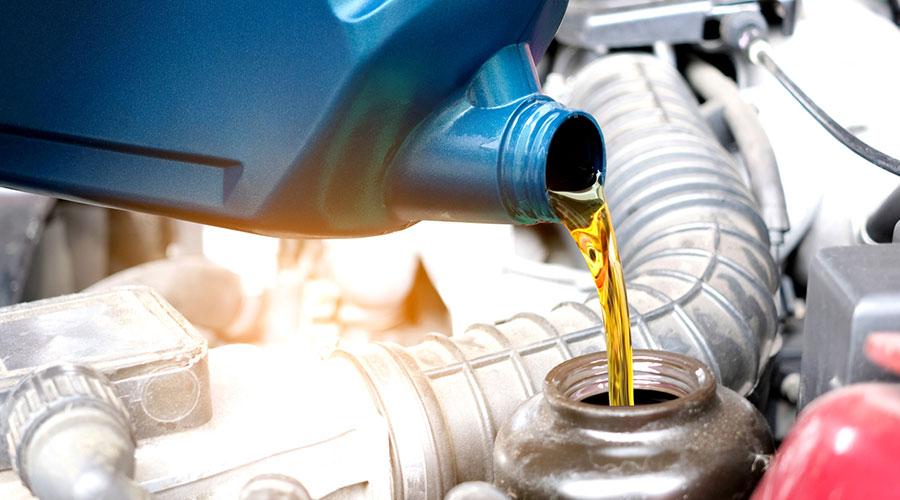 Canvi d'oli d'un cotxe