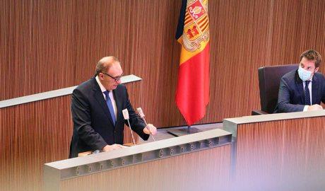 Josep Pintat a la tribuna de l'orador del Consell General. Foto: Terceravia + Unió Laurediana + Independents