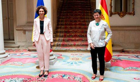 La ministra d'Afers Exteriors, Maria Ubach, amb la seva homòloga espanyola, Arancha González Laya