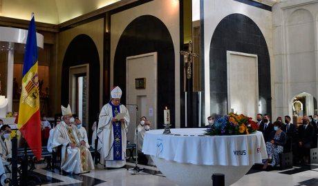 El nunci apostòlic, Bernardito Cleopas Auza, oficia la missa solemne de Meritxell l'any 2020