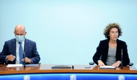 La ministra d'Afers Exteriors, Maria Ubach, i el ministre de Salut, Joan Martínez Benazet