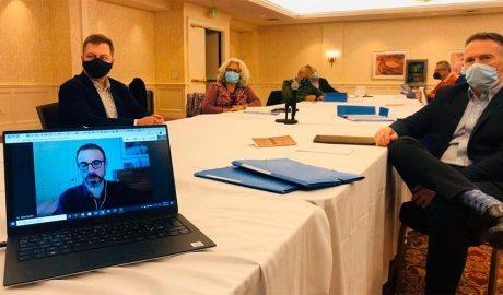 Ferran Costa, a la dreta, en una reunió preparatòria per fer d'observador a les eleccions dels EUA de l'OSCE-PA