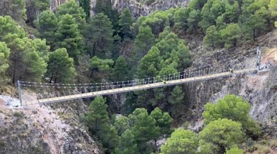 Pont penjant a la Gran Senda de Málaga