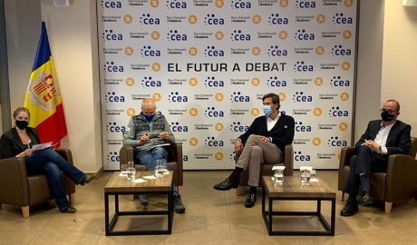 Noemí Rodríguez, Joan Viladomat, Miguel Pedregal i Jordi Daban en un debat a la CEA
