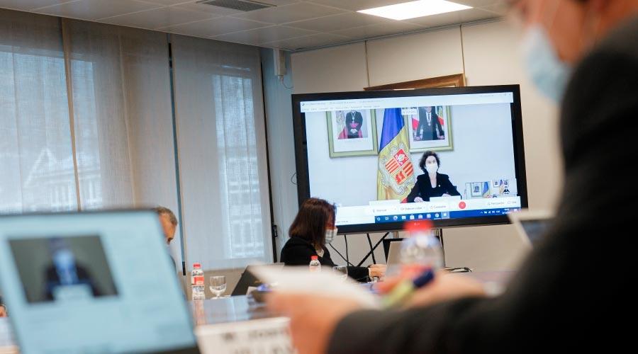 La ministra d'Afers Exteriors, Maria Ubach, en una pantalla durant una reunió telemàtica