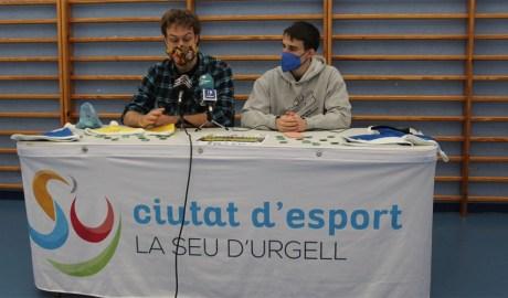 Carles Miñambres i Pol Ausàs, membres del col·lectiu organitzador de la popular cursa del 31 de desembre.
