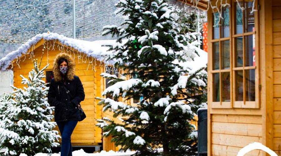 El poblet de Nadal a la plaça del Poble
