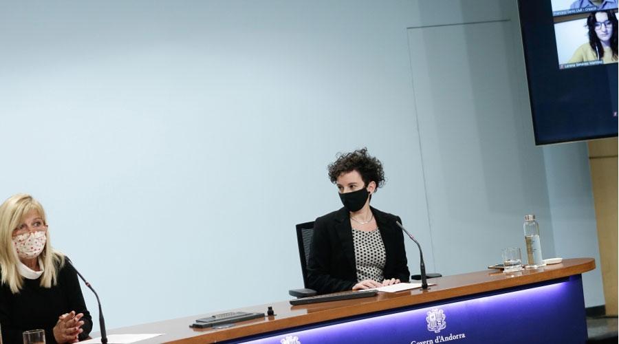 La directora del departament de Promoció Cultural, Montserrat Planelles, i la responsable de Faber Andorra, Meritxell Blanco